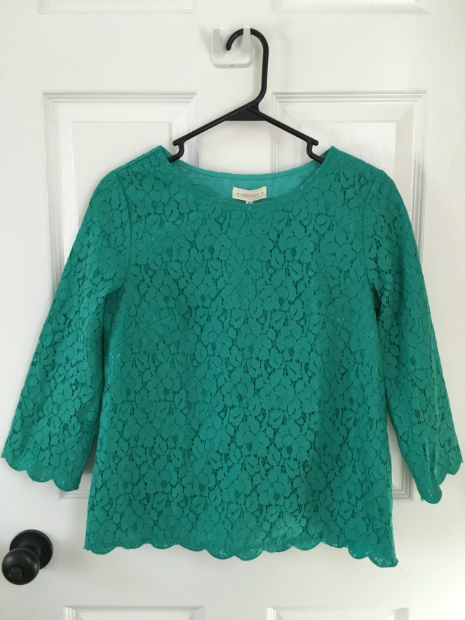 Crescent Weaver Lace Overlay Top: October 2015 Stitch Fix Review |www.pearlsandsportsbras.com|