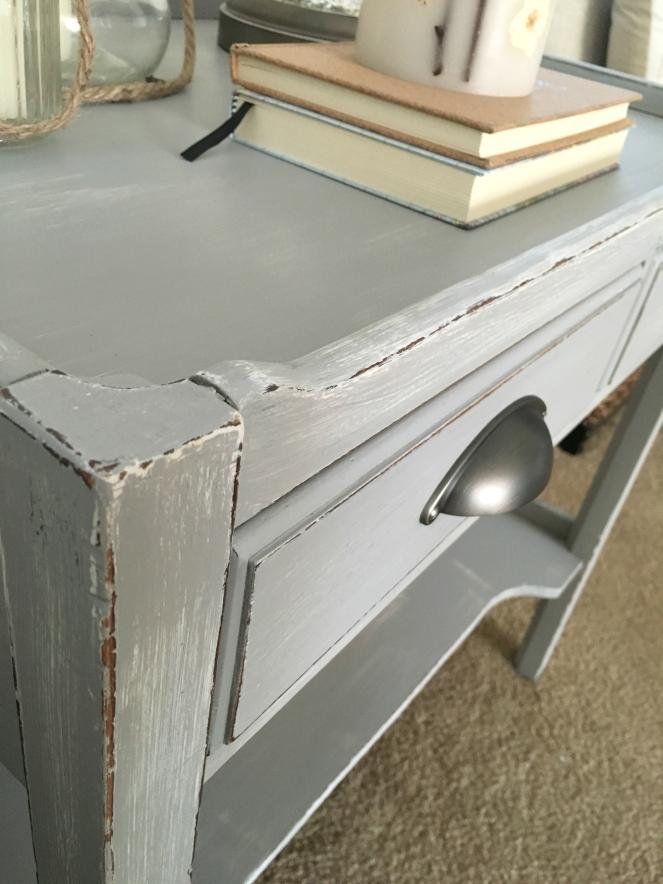 DIY Grey-Washed Table  www.pearlsandsportsbras.com 