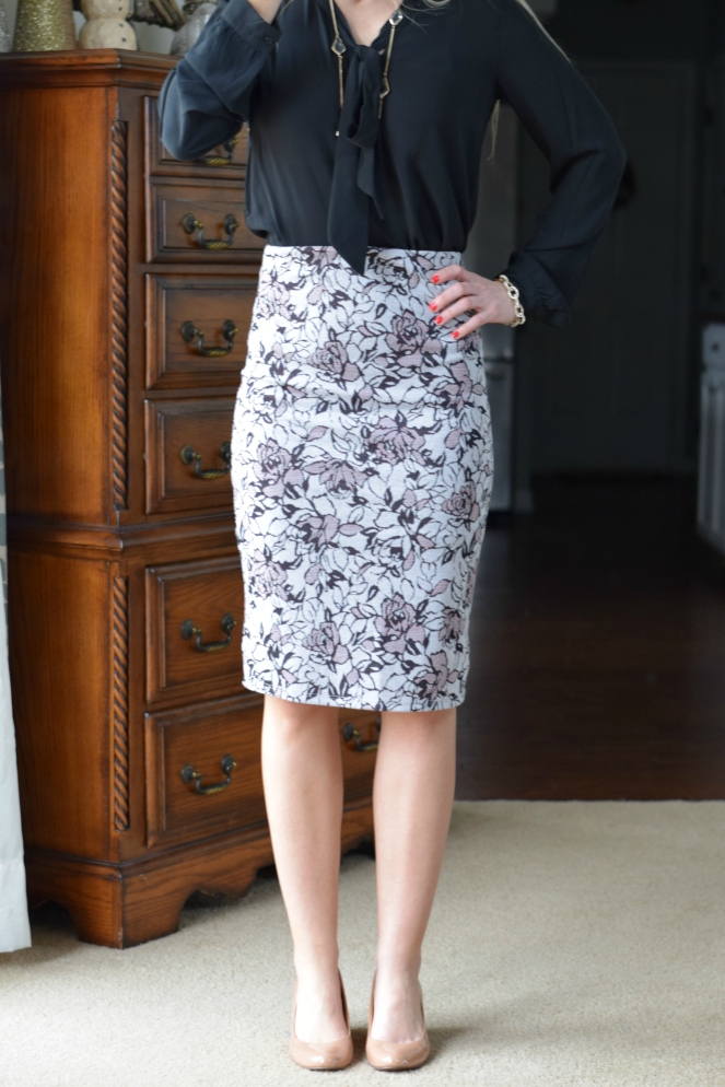 December 2015 Stitch Fix Review: Papermoon Cheryl Printed Pencil Skirt |www.pearlsandsportsbras.com|