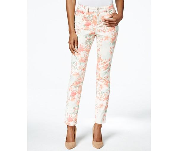 Floral Print Pants |www.pearlsandsportsbras.com|