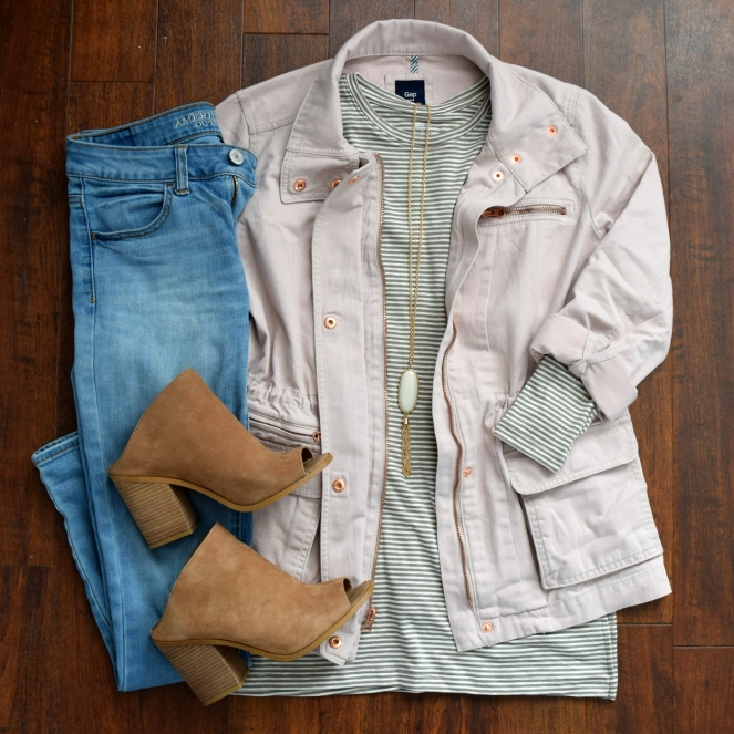 pink cargo jacket, olive striped tee, and mules for spring! |www.pearlsandsportsbras.com|