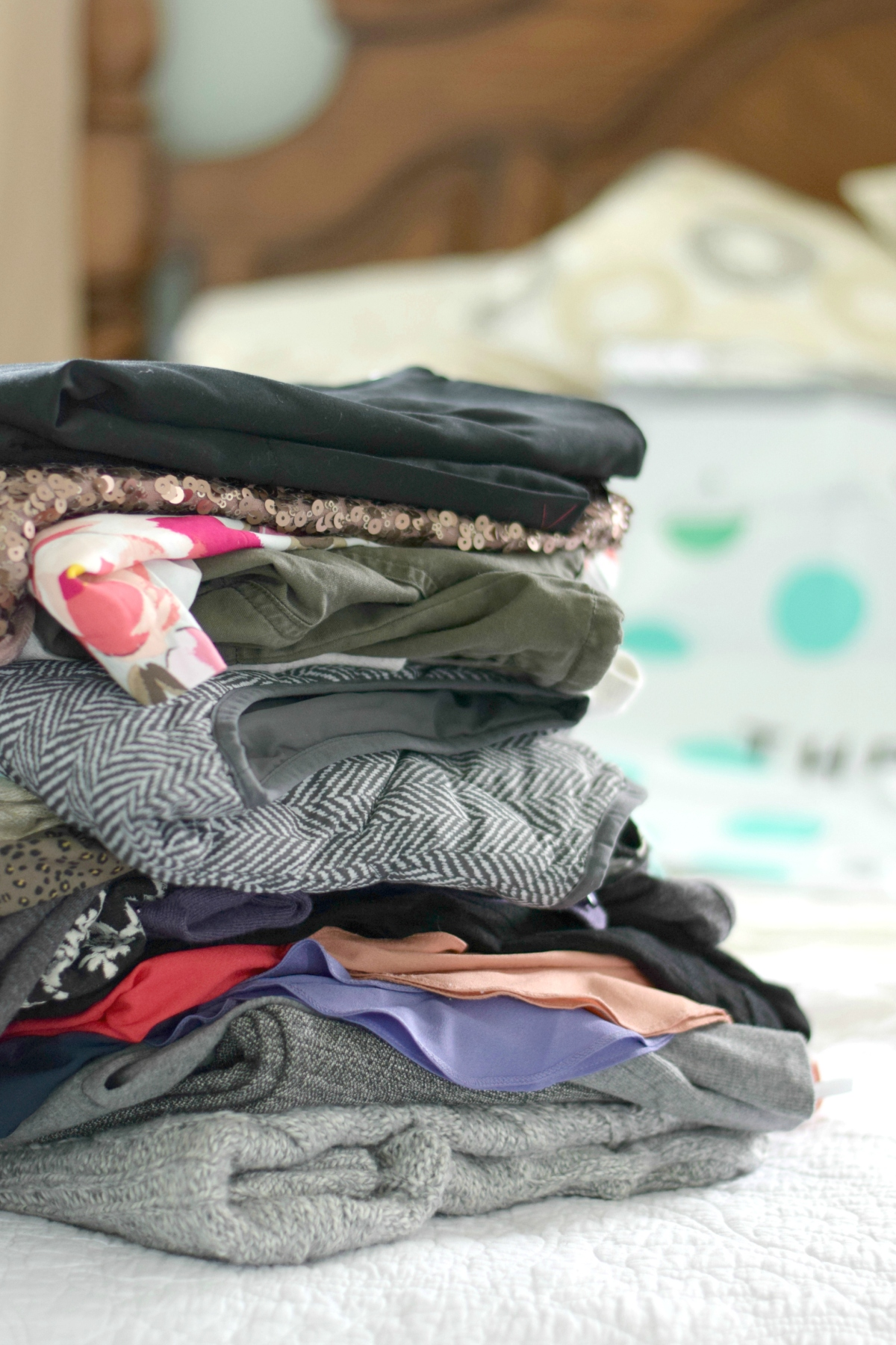 Selling Clothes to ThredUP: A Review |www.pearlsandsportsbras.com|