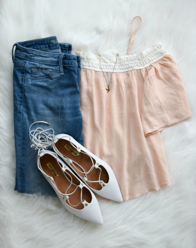 White ghillie flats mix perfectly with blush and denim |www.pearlsandsportsbras.com|