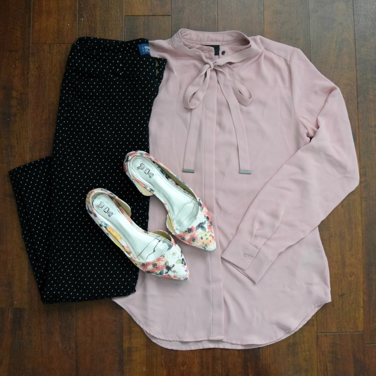 pink tie blouse, polka dot pants, and floral flats  www.pearlsandsportsbas.com 