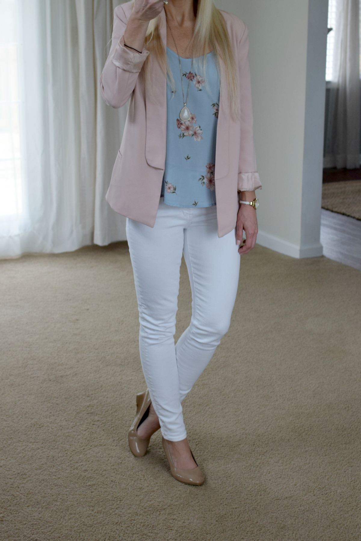 pastels for spring! pink blazer, floral cami, white skinny jeans, and nude wedges  www.pearlsandsportsbras.com 