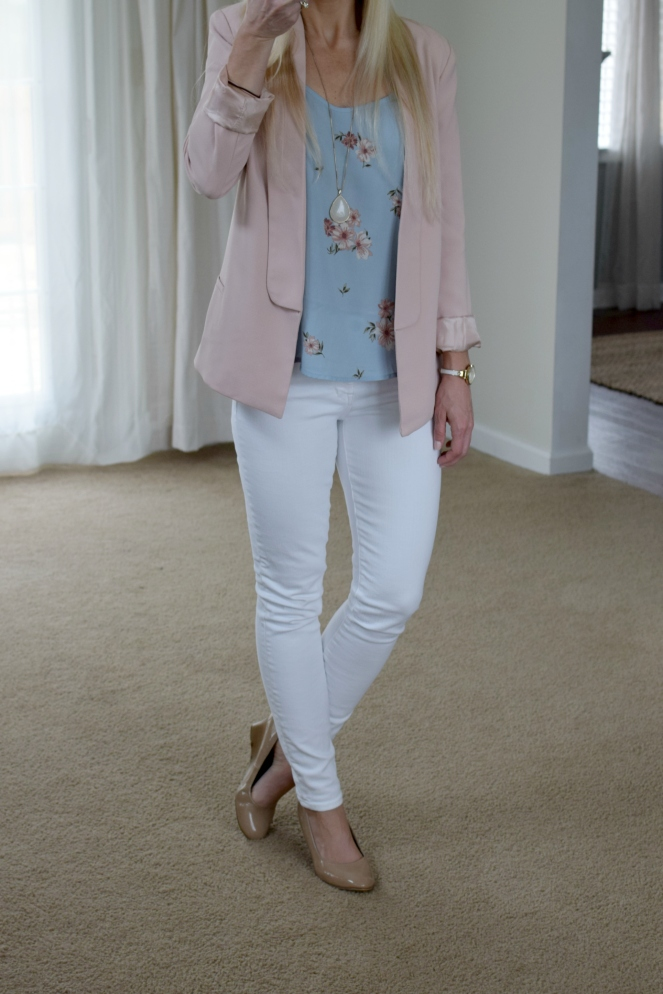 pastels for spring! pink blazer, floral cami, white skinny jeans, and nude wedges |www.pearlsandsportsbras.com|