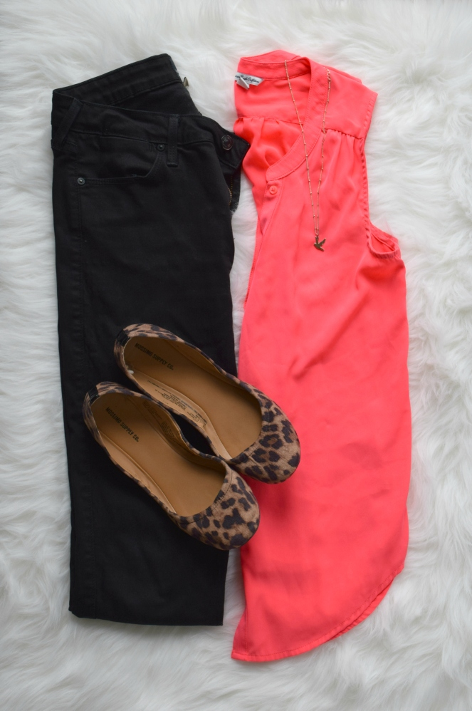 hot pink and leopard - always a great combo |www.pearlsandsportsbras.com|
