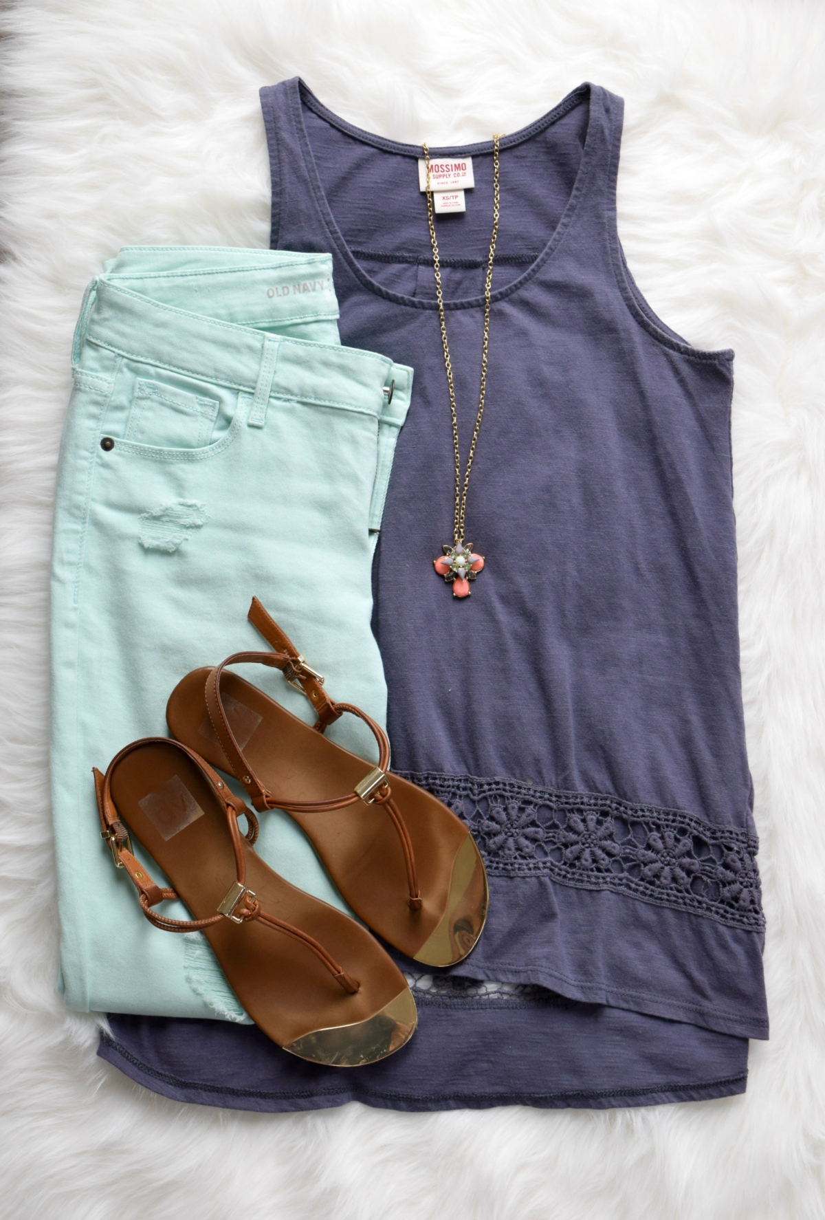 Mint skinny jeans and a gray-blue tank, pulled together with a pop of coral |www.pearlsandsportsbras.com|