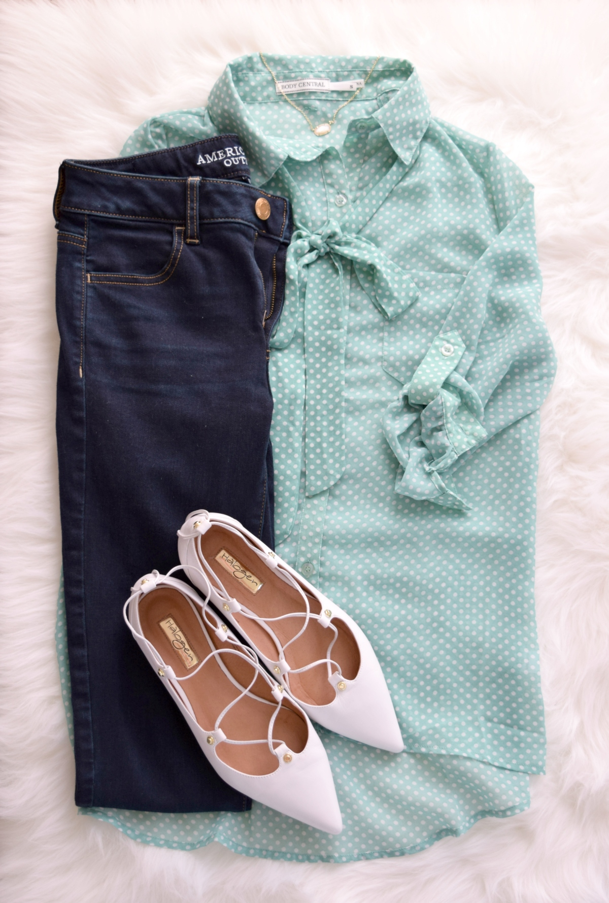 Polka dots and ghillie flats, a polished causal look |www.pearlsandsportsbras.com|