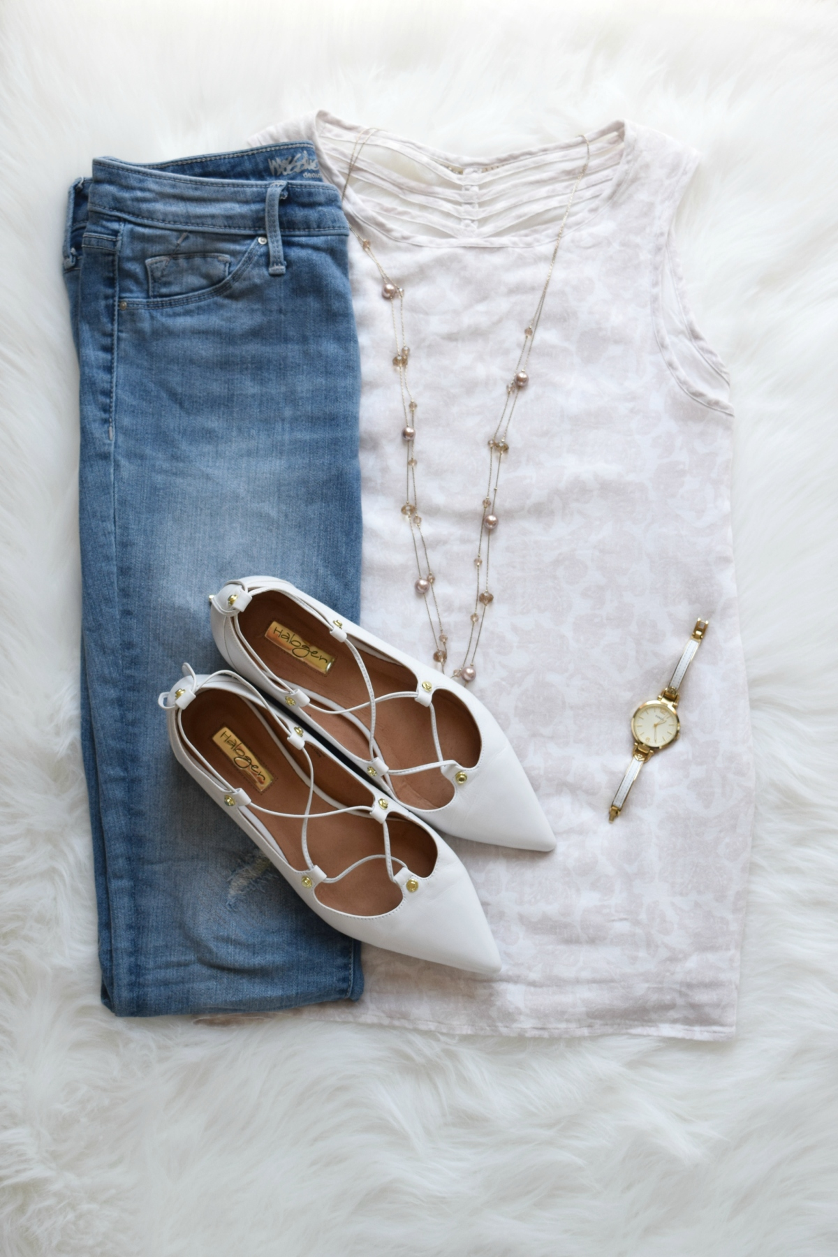 Soft white neutrals and a touch of blush with lace-up flats | www.pearlsandsportsbras.com |