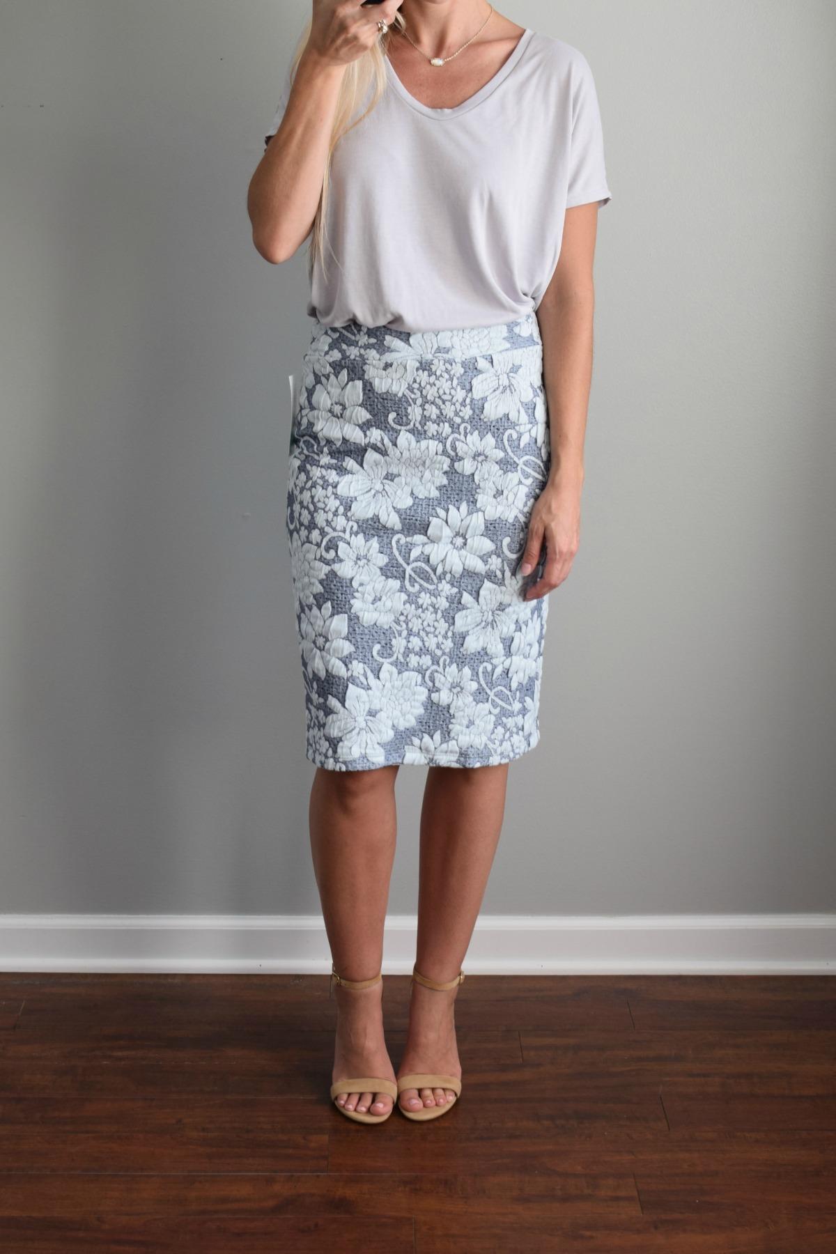 Stitch Fix Review August 2016: Gilli Gretchen Printed Skirt |www.pearlsandsportsbras.com|