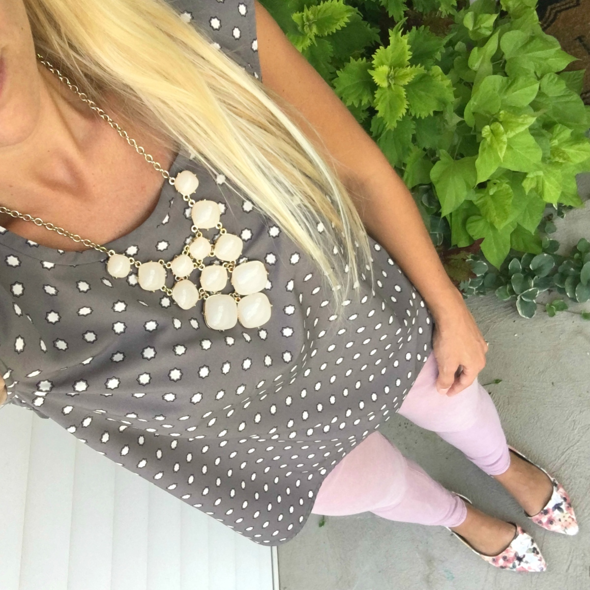 Grey and blush and polka dots |www.pearlsandsportsbras.com|