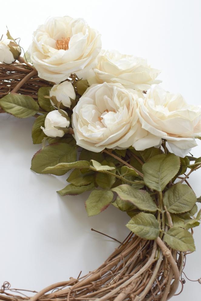 Easy DIY Wreath |www.pearlsandsportsbras.com|