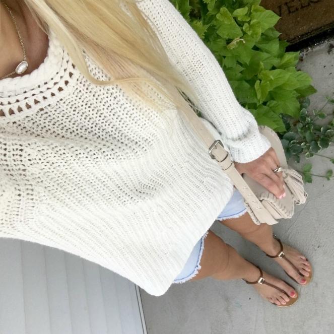 Cozy knit sweater and cutoff shorts |www.pearlsandsportsbras.com|
