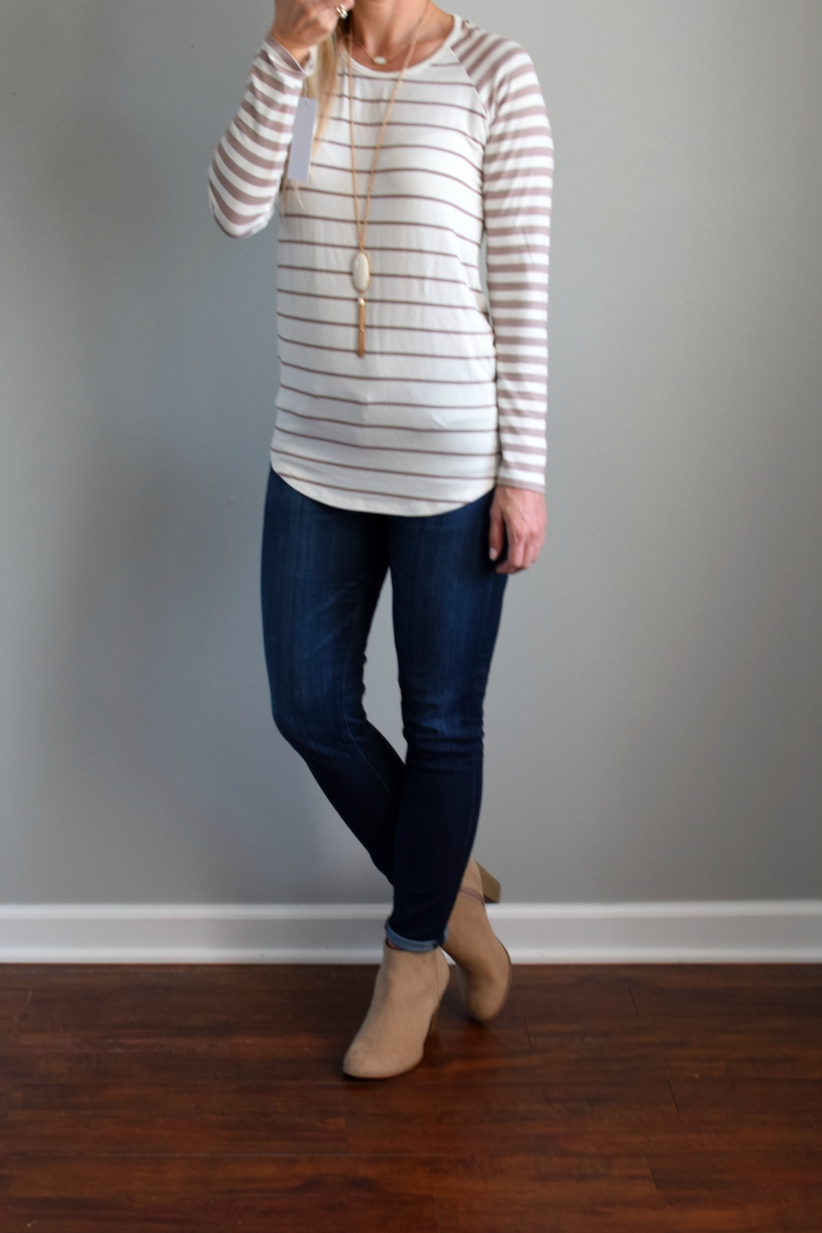 Stitch Fix Review October 2016: Loveappella McCally Raglan Knit Top |www.pearlsandsportsbras.com|