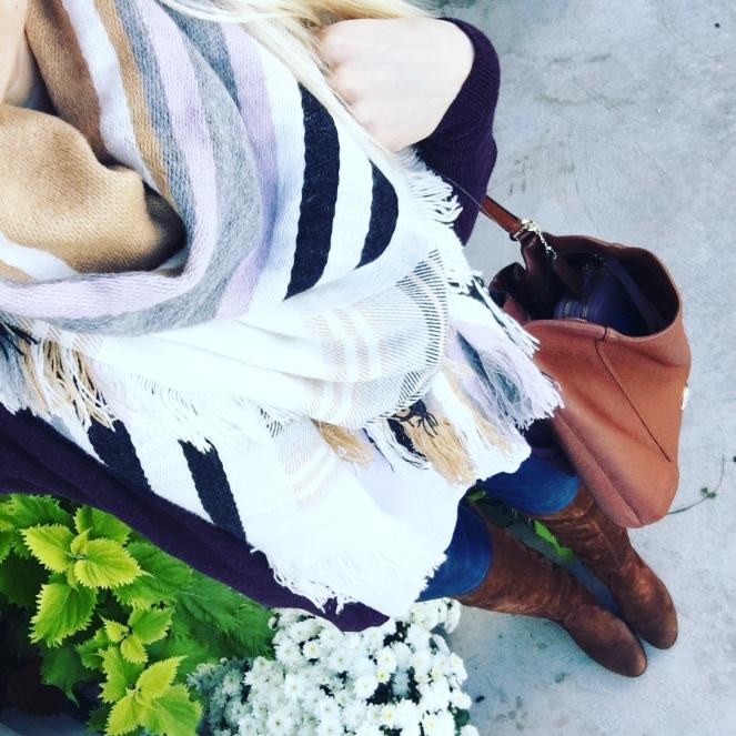 Blanket scarf and fall neutrals |www.pearlsandsportsbras.com|