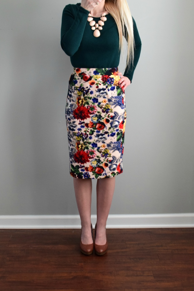 December 2016 Stitch Fix Review: Pixley Eve Floral Skirt |www.pearlsandsportsbras.com|