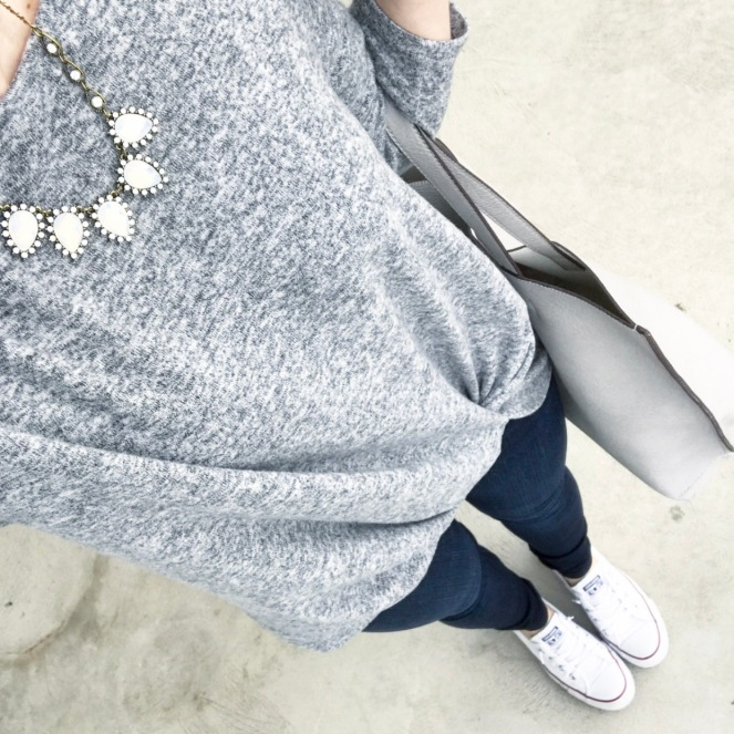 casual grey with a statement necklace |www.pearlsandsportsbras.com|