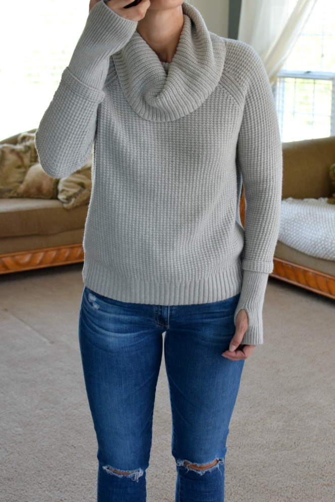 Stitch Fix Review October 2017: 41Hawthorn Sharon Thumb Hole Detail Pullover |www.pearlsandsportsbras.com|
