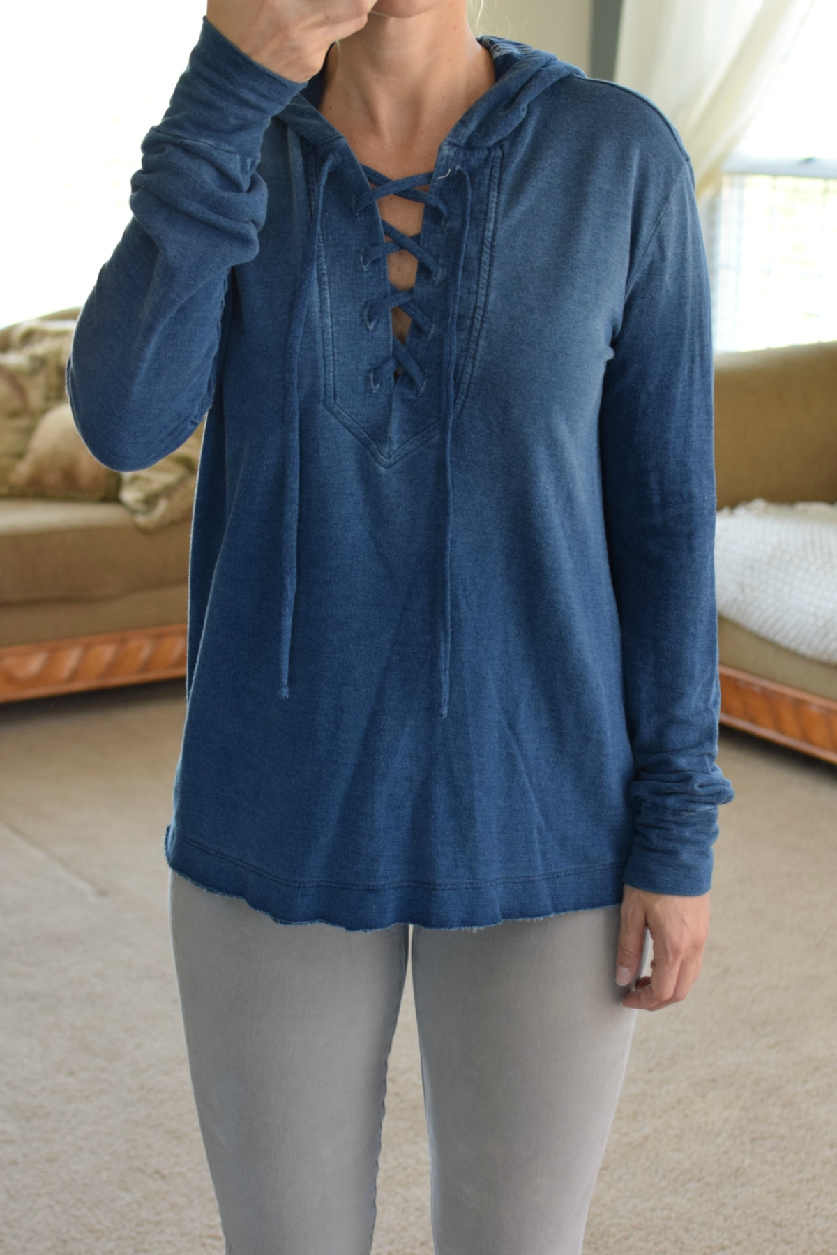 Stitch Fix Review October 2017: Bella Dahl Taylor Lace-Up Hoodie |www.pearlsandsportsbras.com|